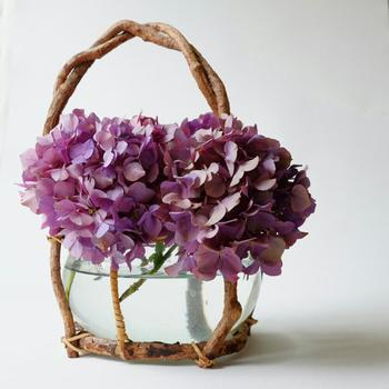 心豊かな花のある暮らしを。一から学ぶ美しく見せる生け方と飾り方