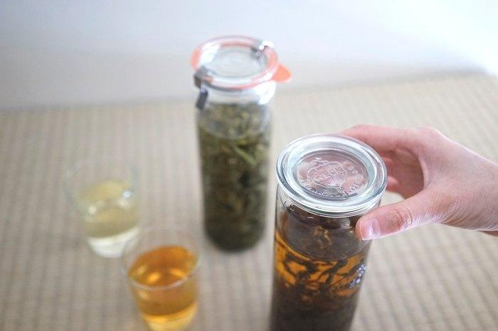 マイボトルで台湾茶。 それだけで、生活がぐっと丁寧になったような気がします。 こだわりの台湾茶は、ひとつひとつ手で摘まれた一点もの。