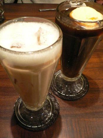 アイスロイヤルミルクティーやコーヒーフロートなども人気。