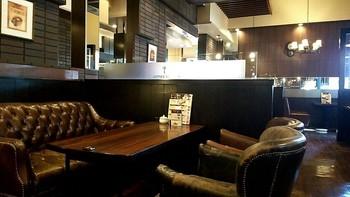商談などで使うビジネスマンにも高評価だそうです。昔懐かしい「元祖喫茶店」というレトロ感がたまりませんね。