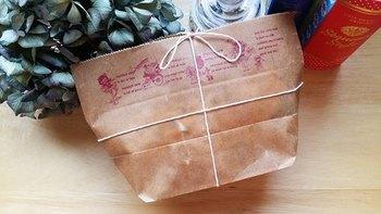 紙で包んだら油が染みてしまうクッキーやケーキもワックスペーパーなら問題なし!
