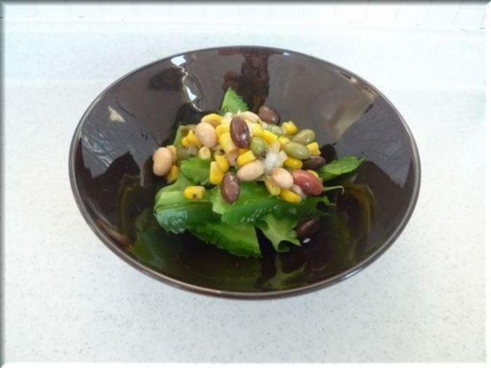四角豆と豆のマリネ。 四角豆は若いさやを食べます。しっかりとした歯ごたえで、食欲のないときにもさっぱり食べられますよ。