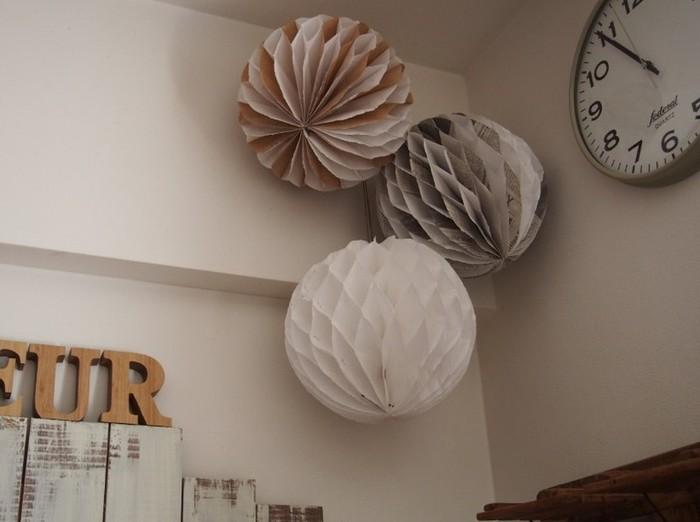 部屋の隅に吊るせば邪魔にならないので、シックな色で作って普段のインテリアにするのもアリ。