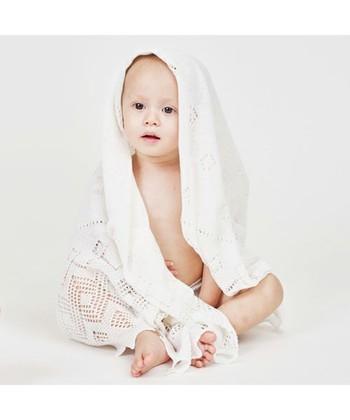 大切な赤ちゃんに、とっておきの一枚を。出産準備や出産祝いの贈り物を選ぶ際などに。ご参考にしてみてくださいね。