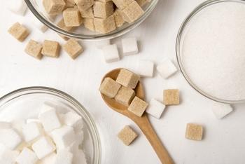 また、お塩もザラザラとした触り心地が、角質ケアに優れています。体の部分によって、お塩・お砂糖と使い分けてあげてもいいですね。