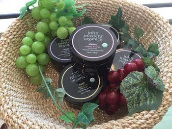 お肌の露出が多くなる夏の時期には、爽やかなフルーツの香りに癒されながら、週に一度のスペシャルケアをお楽しみください♪
