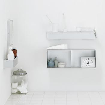 スタッキングシェルフと並んで人気なのが「壁に取り付ける棚」です。