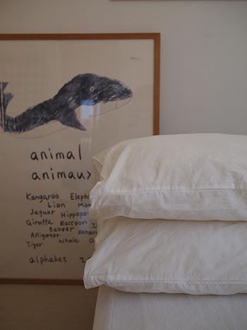 柄物だけでなく、真っ白シンプルな枕カバーもあります♪