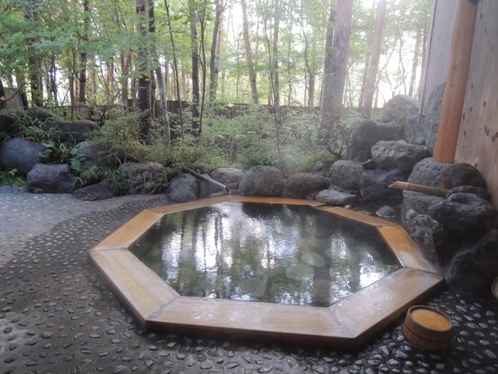 森林浴をしながら、露天風呂なんてとても贅沢。
