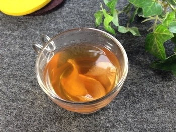 乾燥しょうがを作っておけば、しょうが紅茶もしょうがをすりおろす手間なく作れます。気軽にティータイムに取り入れたいですね。