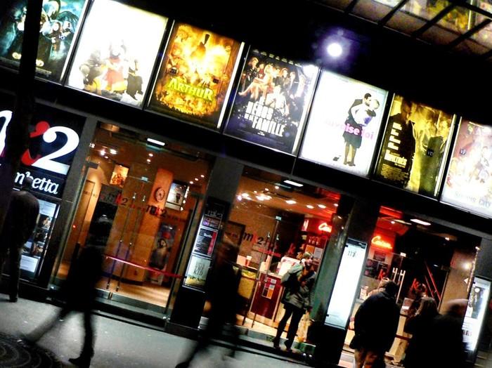 出産後すぐは映画館へ行く時間がないし、子供が少し大きくなっても自分の観たいものが観られません。映画館でのんびり鑑賞するって、意外と贅沢な大人の時間なんです。