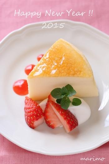 スフレチーズケーキは、メレンゲを多く使い、ふわふわ食感に仕上げるチーズケーキ。お口の中ですぐに溶け、チーズの風味が広がります。