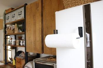 とってもおしゃれなキッチンペーパーホルダー。これを冷蔵庫につけられたらな、と思っていませんか?