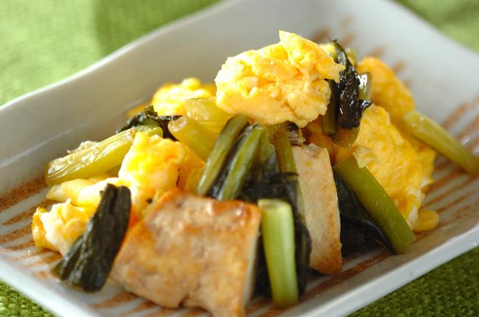 野沢菜のお漬物が余っていたら、ぜひ作っていただきたいのがこちらの炒め物。甘辛い味付けで、ごはんがどんどん進みます。