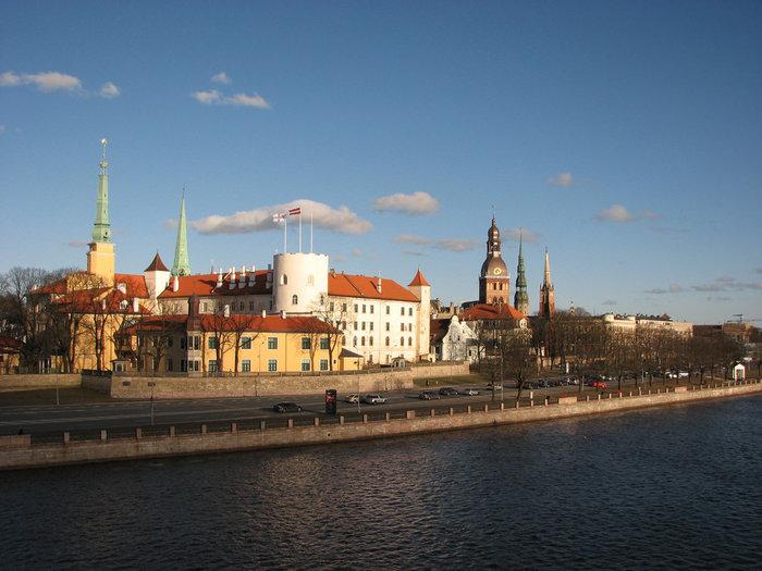 ラトヴィア首都リガはバルト海に面した港町で、その街並みの美しさから「バルト海の真珠」と称されています。