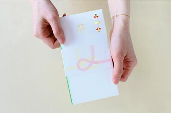 こちらは、「今」の日本における暮らしの美意識とカルチャーを発信し続けるCLASKA(クラスカ)が直営するドーというショップのご祝儀袋です。