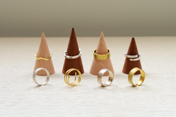 様々な形状に加工できますし、2個作ることも出来るので、ペアリングやプレゼント用にもぴったりです♡