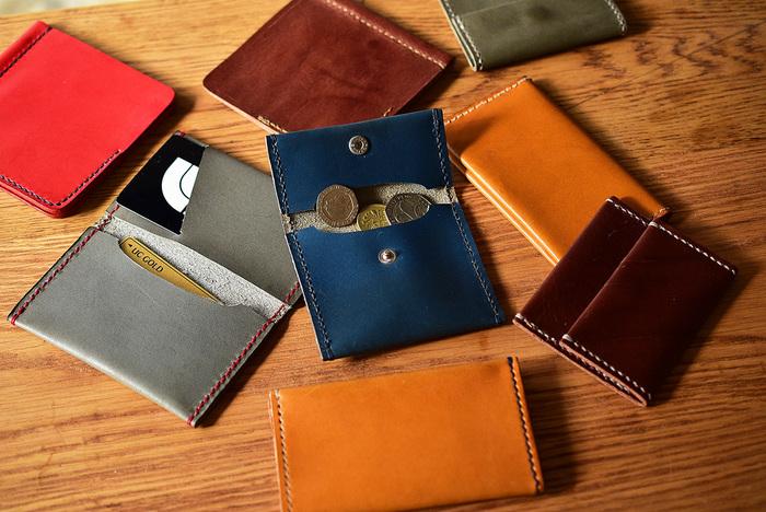 革と糸の色を選べるので、お好みのコインケースやカードケースが作れます。誕生日や父の日などのプレゼントとして、革小物を手作りしたと言ったら驚かれそうですね。