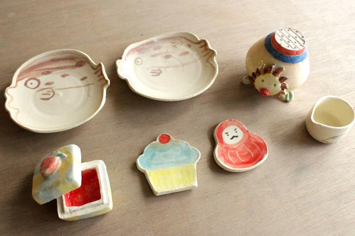 湯呑や茶碗はもちろん、平たい器や箱状の器など、個性的な陶芸も楽しむことが出来ますよ。