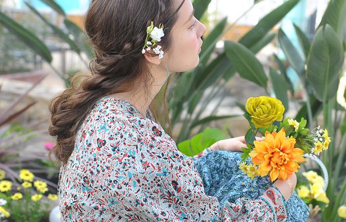 ボヘミアンスタイルとは、チェコスロバキアのボヘミア地方の民族衣装やジプシーテイストがもとになったスタイルです。手作り感やナチュラルでロマンチックなスタイルが今年大人気です。