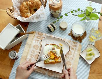 パン型のプレート♪毎日の朝食に使いたくなっちゃいますね。