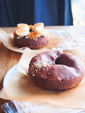 ハレノバでまず頂きたいのがドーナツです。シンプルなプレーンからたっぷりかかった濃厚チョコレートなど、お値段もお手頃なので、鎌倉のアジサイ散策の途中に是非足を運んでいただきたい、落ち着くカフェです。