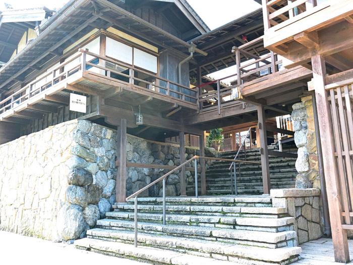おかげ横丁にある風情漂う「五十鈴川カフェ」。とっても素敵な佇まいが印象的ですね。