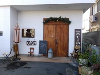 こちらも鈴鹿市にある「雑貨屋さんのようなパン屋さん」をコンセプトにオープンした「merimero chocolat」。小さく可愛いお店は、外観からも美味しいパンを予感させてくれますね。