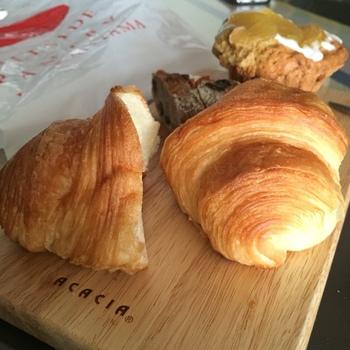 おすすめは、やはり天然酵母クロワッサンです。パリパリの皮と、もちもちのパンの絶妙なコンビネーションが大好評♪オープン以来のベストセラーなんだそうです。