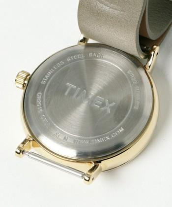 裏には『TIMEX』のロゴが刻まれています。