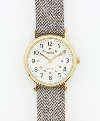 秋冬におすすめなのが「ツイード」。ツイードといえばコートやジャケットでよく使われている素材。そんなツイードを腕時計のベルトにしてみませんか?腕時計のベルトで季節を感じるというのもいいかもしれませんね♪