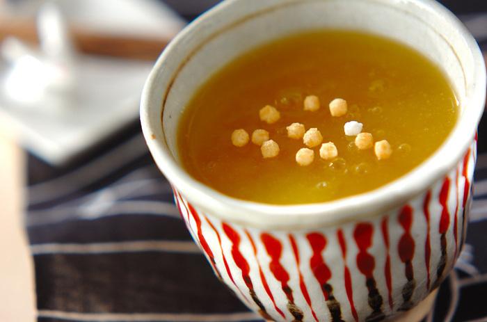 オレンジとグレープフルーツを使った葛湯。ぶぶあられがあれば、散らすとアクセントになって良いですよ。