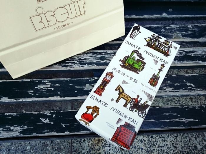 密かに人気のあるレトロなイラストの包装紙。パッケージも可愛いとお土産として渡したときに会話も盛り上がりそうですよね♪