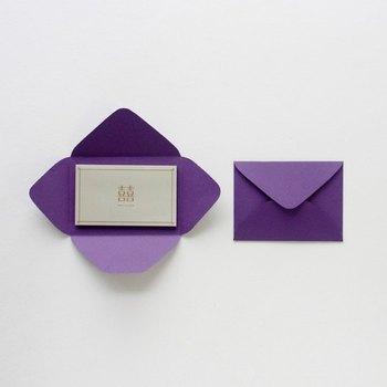 「型紙」をもとに、好きな包装紙や画用紙を使えば、あっという間にお気に入りの封筒が出来上がり!