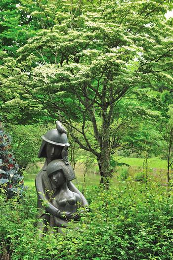 軽井沢タリアセンのなかに佇むペイネ美術館。  フランス画家であったレイモン・ペイネの愛用していた画材などが展示されています。