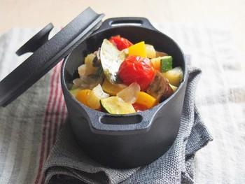 冷蔵庫にあまりもの野菜があるときにおすすめしたいレシピ。季節の野菜を入れて楽しむのもありです。