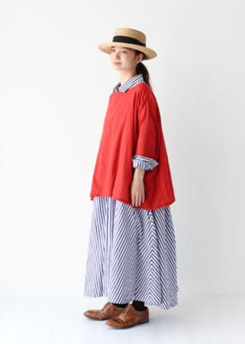 ワンピースに重ねてもデニムと合わせても可愛い♡ 赤は顔色も明るく見せてくれるので、実は大人女子にピッタリなんです。