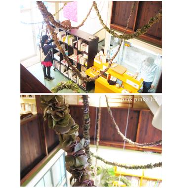 こんな風にあじさいの花を小分けにしてガーランドを作り、天井からシャンデリアのように吊り下げる方法も。