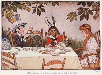「不思議の国のアリス」のお茶会のシーンは、あなたも一度は憧れたことがあるはず。そんな「アフターヌーンティー」をおうちで楽しめたら、きっと楽しいに違いありません。