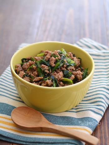 時にはナンプラーを効かせたエスニック風「そぼろ」も良いですね。目玉焼きと一緒にご飯にのせたり、蒸し野菜に添えるのもおすすめです。常備菜に作っておきたい一品。
