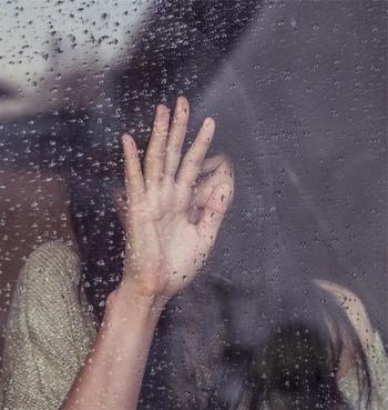 ちょっぴり悲しい気持ちと過ごす雨の日。こころに寄り添う音楽も一緒に・・・。