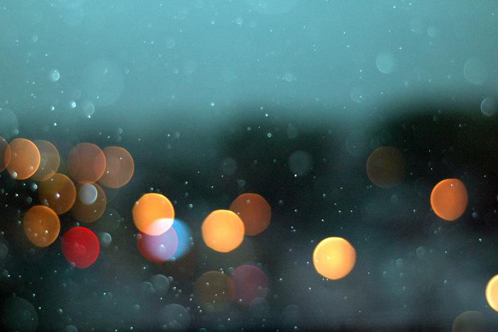 一人で過ごす雨の日は、慌ただしさのなかにしまいこんだいろんな気持ちと向き合ってみませんか?