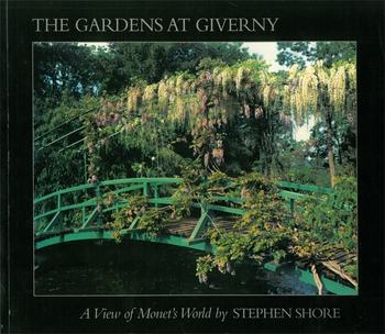 モネの画集とは別に、モネの庭の写真集も色々出版されています。いつでも手元でじっくり眺められるのでおすすめです。