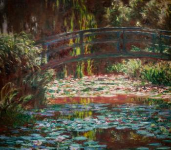 1900年頃(モネ60歳頃)の日本橋を描いた作品。手前と奥行きのコントラスト、透明感のある水の色。ジヴェルニーではこうした光の美しさを実際に感じられますよ。