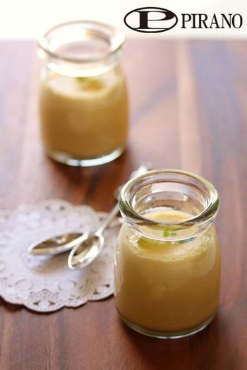 こちらは卵・牛乳・砂糖だけで作るシンプルなプリン。余計な物を使わないからこそ、昔ながらの素朴で温かい味に仕上がります。