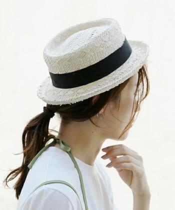 夏にこそ楽しみたいファッションアイテムといえば、帽子ですよね!カンカン帽や、ストローハットなどの麦わら帽子はもちろん、キャップやキャスケットに至るまで様々な帽子がショップに並んでいます。