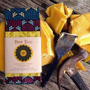 「Bee Eco Wrap」は「自分たちが出すゴミを少なくしたい」という発想のもと生まれました。地球にやさしい活動ができるのは嬉しいですよね。 どんな形にも馴染み長く使えるからこそ、使えば使うほど独自の風合いが楽しめます。