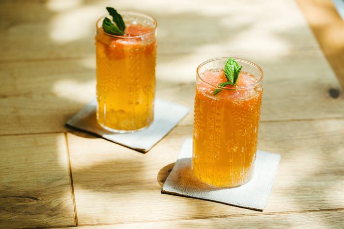 自家製レモンジンジャーシロップを使った爽やかなドリンク。程よい甘さでゴクゴク飲めちゃいます (クリア/23cl)