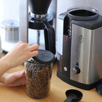密封性が高いから、コーヒーや乾物など湿気ると困るものを保存しておくのにオススメです。