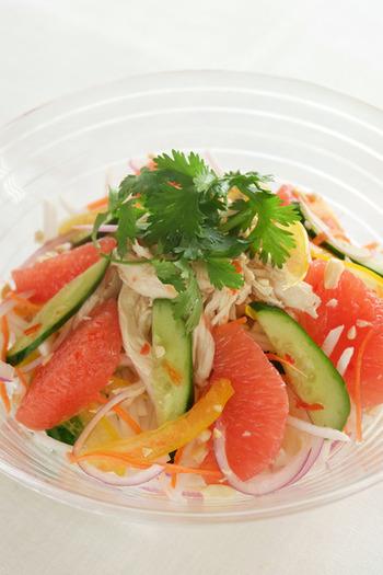 サラダ定番の野菜といえば、レタス、きゅうり、トマト、玉ねぎ…でしょうか。 ちょっとマンネリになりがちなサラダに、いつもと違う食材をプラスしてみませんか?